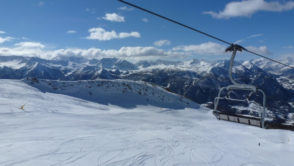 Holiday on Snow Ski lift and mountains Sauze d'Oulx Sestriere Photo Henrik Elstrup