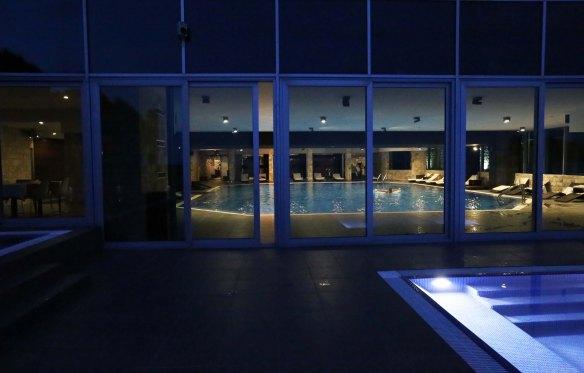 M Avala wellness ude og inde pool