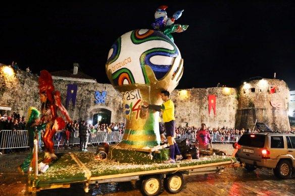 Montenegro Budva Carnival og bymur Foto Henrik Elstrup