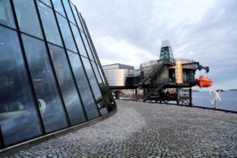 Stavanger_Petrol_Museum_waterfront