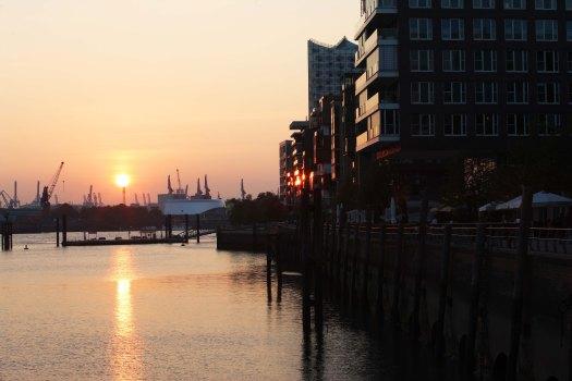Hamburg havn aftensol rejse Marina Aagaard fitness blog