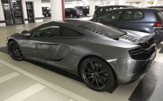 Hamburg McLaren B 414X2719