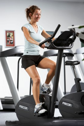 Fitness_Interval_paa_motionscykel_foto_CPhotography