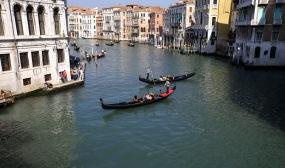 Venedig_Venice_Venezia_Canal_Grande_and_Gondolas