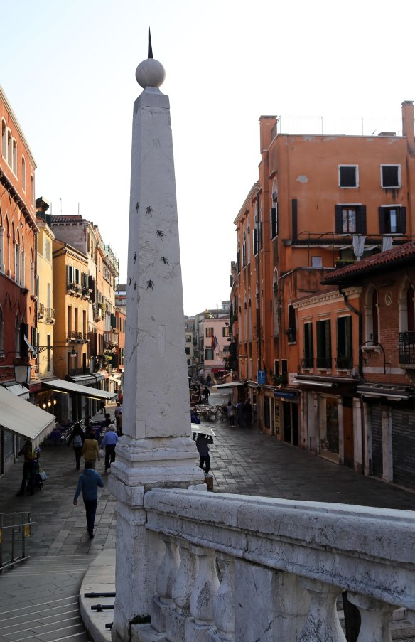 Venedig søjle med myrer foto Marina Aagaard