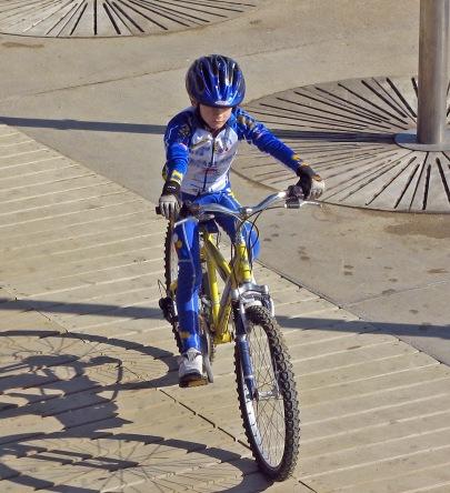 boy_on_bike_sxc_950965_97331064_unknown