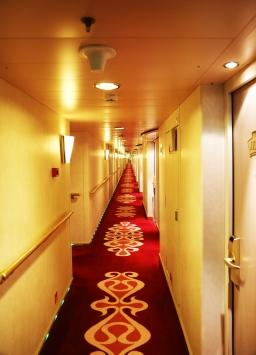Cruise_ship_corridor_Marina_Aagaard_fitness_blog