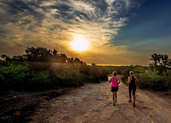 Running_at_sunrise_Mallorca_photo_Henrik_Elstrup