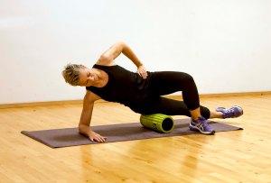 Foam_rolling_side_front_Marina_Aagaard_fitness_blog