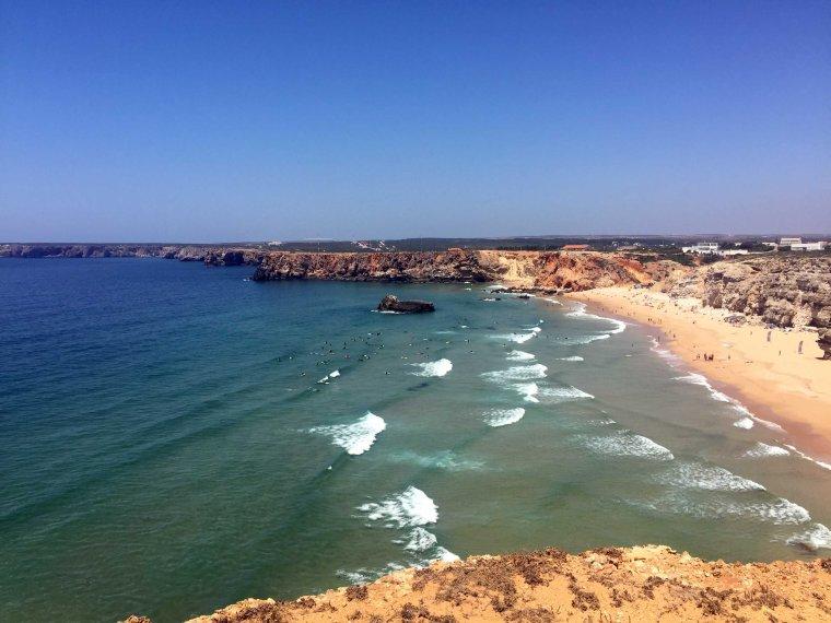 Algarve_Sagres_Beach_Surfers_Marina_Aagaard_blog