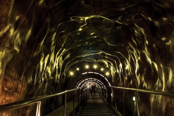 Salina_Turda_stairway_photo_Henrik_Elstrup_Marina_Aagaard_blog