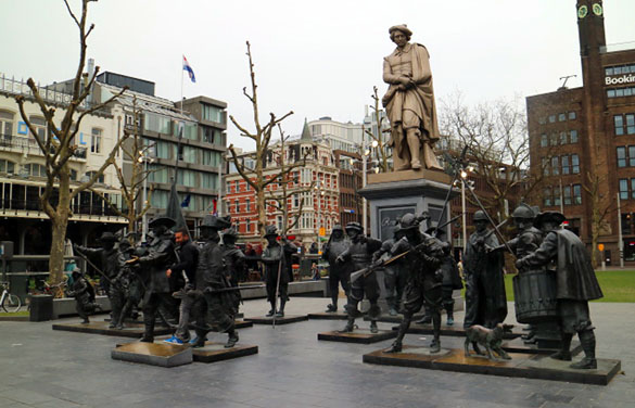 Amsterdam_Holland_Rembrandt_Plein_Marina_Aagaard_blog