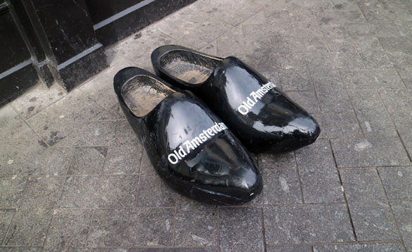 Old_Amsterdam_Holland_Clogs_Marina_Aagaard_blog